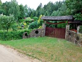 Piękna działka przy jeziorze, Huta gmina Filipów.