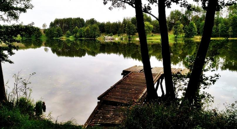 Działka nad jeziorem, Bolesty gm Raczki